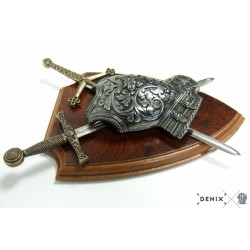 Denix 506 Panoply with cuirass and 2 swords